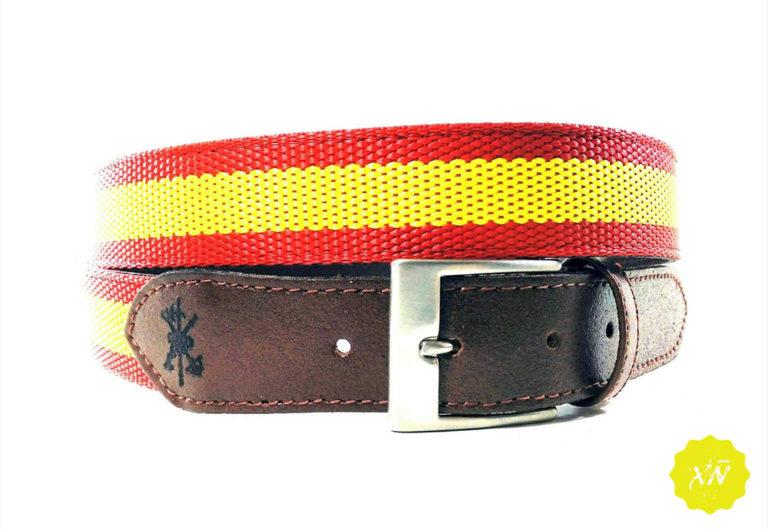 Cinturón de lona con punteras de piel escudo la legión.