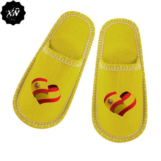 zapatillas de andar por casa con corazón de España
