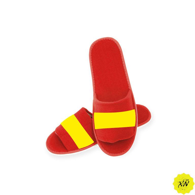 zapatillas de andar por casa con la bandera de España